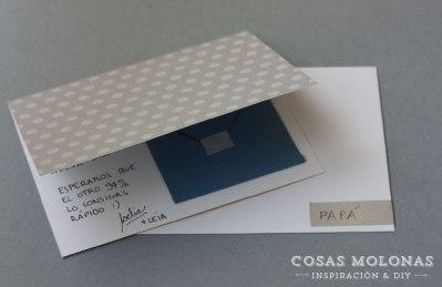 Una tarjeta con compartimento interior para meter el dinerito