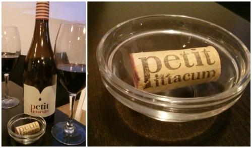 Esta maravillosa comida la acompañamos de un Petit Pittacum, un vino del Bierzo que nos recomendó Álvaro y que apunto porque nos gustó mucho mucho